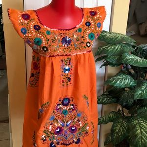 Dresses & Skirts - 🌟NEW ARRIVAL NWT sleeveless Mexican dress.